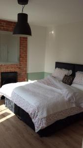 A room at The Railway Inn Westerfield