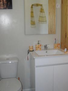 A bathroom at Casa Do Pinheiral