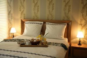 Кровать или кровати в номере Alazani Valley Hotel