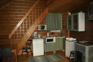 Majoituspaikan Honkala Cottage keittiö tai keittotila