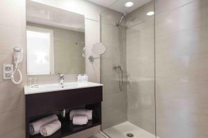 Een badkamer bij Garden Holiday Village - Adults Only