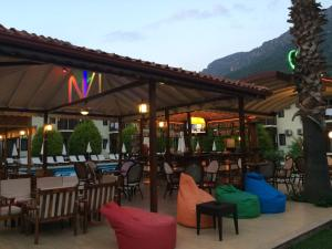 A restaurant or other place to eat at Hotel Oludeniz