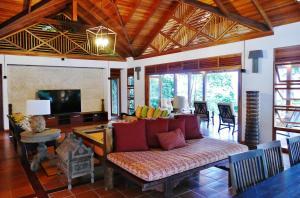 A seating area at Joya de Costa Rica