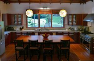 A kitchen or kitchenette at Joya de Costa Rica