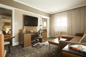 A television and/or entertainment center at Hotel Abri Union Square