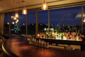 The lounge or bar area at Green Hill Hotel Onomichi