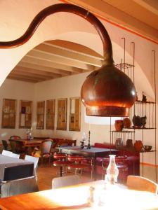Um restaurante ou outro lugar para comer em Convento Senhora da Vitória