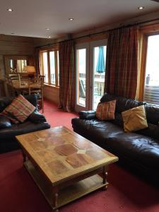 A seating area at Lodges on Loch Ness