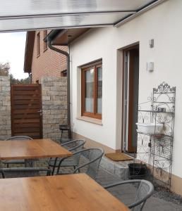 A porch or other outdoor area at Boetzel Zimmervermietung