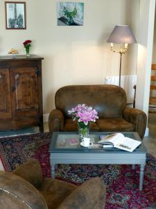 A seating area at La Cour des Carmes