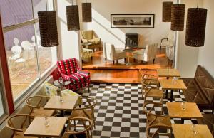 Un restaurante o sitio para comer en Hotel Ultramar