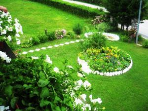 Jardín al aire libre en Sobe Ćuskić