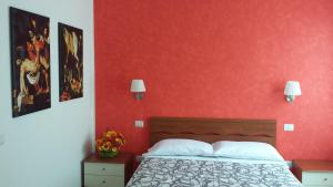 A bed or beds in a room at Luci A San Siro