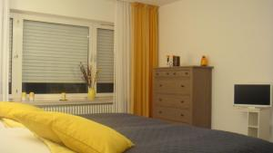 A bed or beds in a room at Bed & Cloppenburg