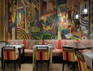 A restaurant or other place to eat at Charlotte Street Hotel, Firmdale Hotels