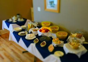 Breakfast options available to guests at Hillcrest Hall Country Inn