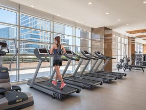 The fitness center and/or fitness facilities at Discovery Primea