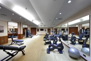 The fitness centre and/or fitness facilities at Exe Majestic
