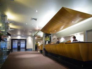The lobby or reception area at Hotel Grand Chancellor Melbourne