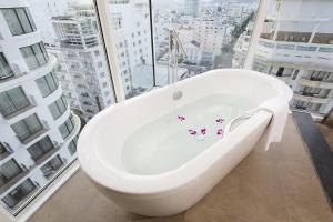A bathroom at Liberty Central Nha Trang Hotel