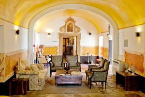 A seating area at Convento D'Alter Hotel