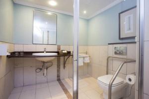 A bathroom at Phakalane Golf Estate Hotel Resort