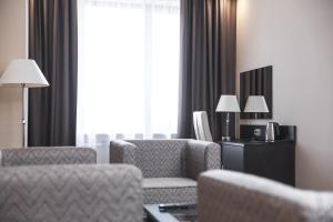 Гостиная зона в Отель Азия