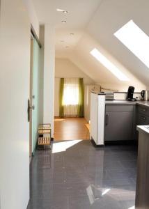 A kitchen or kitchenette at Weingut Edling
