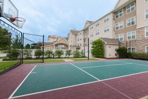 Tennis and/or squash facilities at Residence Inn Baton Rouge Towne Center at Cedar Lodge or nearby