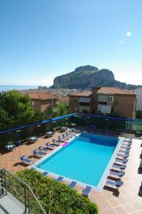 Het zwembad bij of vlak bij Hotel Villa Belvedere