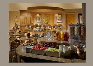 A restaurant or other place to eat at The Lodge at Jackson Hole
