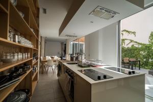 A kitchen or kitchenette at Youth Hostel Jávea