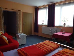 Ein Bett oder Betten in einem Zimmer der Unterkunft Ferienwohnung Freund