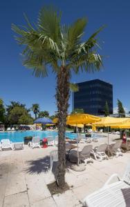 Piscina di Hotel Antares Sport Beauty & Wellness o nelle vicinanze