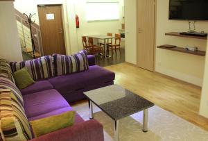 Istumisnurk majutusasutuses Embrace Guestrooms & Apartments