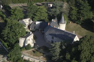 Vue panoramique sur l'établissement Château de la Roche Martel