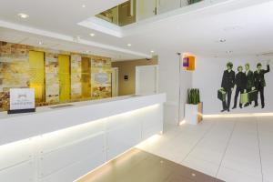 The lobby or reception area at Hampton by Hilton Liverpool John Lennon Airport