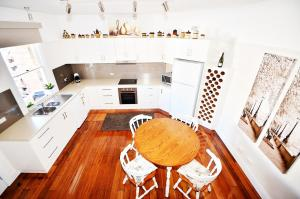 A kitchen or kitchenette at Two up on York
