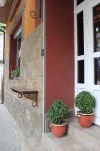 The facade or entrance of Hotel Marichka