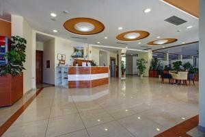 The lobby or reception area at Hotel Duje