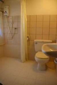 ห้องน้ำของ สายชลวิว ริเวอร์แคว รีสอร์ท