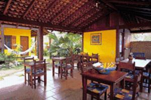 A restaurant or other place to eat at Pousada Vistamar