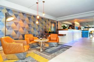 The lobby or reception area at Nox Hotel Galway