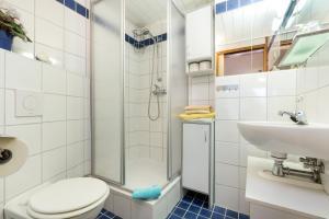 Ein Badezimmer in der Unterkunft Rügenurlaub 1