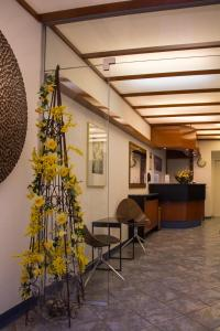 The lobby or reception area at Stadthotel
