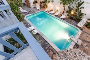 Widok na basen w obiekcie Hotel Argo lub jego pobliżu