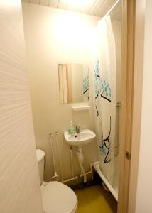 A bathroom at Street Adriena Lejeune