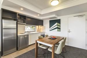 A kitchen or kitchenette at Quest Kelvin Grove