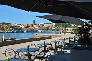 A restaurant or other place to eat at Pestana Vintage Porto Hotel & World Heritage Site