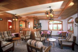 Lounge oder Bar in der Unterkunft Hotel zum See